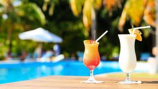 All-inclusive Pool Cocktails Getränke Badeurlaub