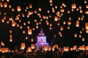 Thailand - 1.000 Himmelslaternen - Rundreise & Baden
