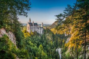 Places to be: Neuschwanstein HOFER REISEN