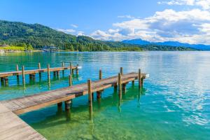 Places to be: Wörthersee HOFER REISEN