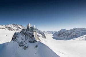 Place to be: Jungfrau Region Top of Europe HOFER REISEN
