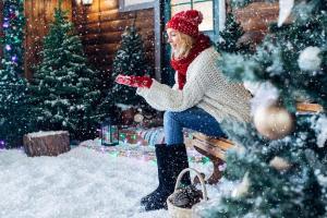 Mädchen Winter Adventszeit HOFER REISEN