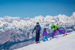 Skiurlaub mit Kindern HOFER REISEN