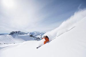 Vom Zillertal zum Reschenpass - Freeridetour über fünf Tiroler Gletscher