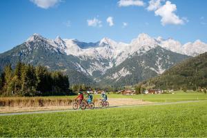 Radfahren in der Region Zell am See HOFER REISEN
