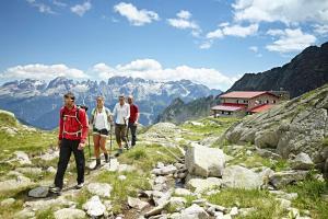 Wandern in Südtirol HOFER REISEN