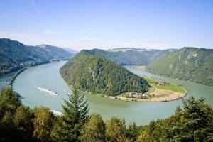 Donau im Dreivierteltakt - Rad & Schiff