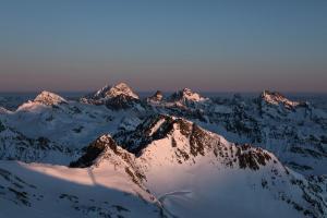 Auf Hannibals Spuren - Freeridetour über fünf Tiroler Gletscher - Vom Zillertal zum Reschenpass